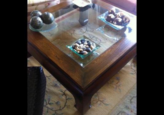 Preciosa mesa salón madera maciza