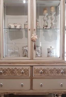 Antigua vitrina restaurada