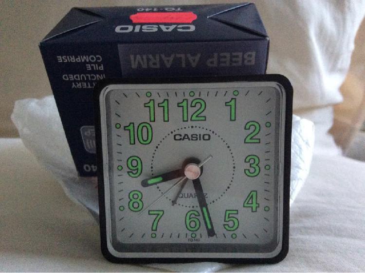 Despertador reloj casio compacto