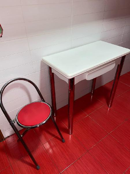 Mesa libro cocina + 1 taburete.