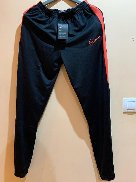 Pantalón chándal deportivo