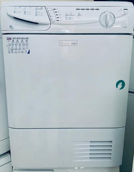 Secadora de condensación ariston 7kg