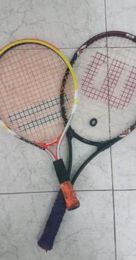2 raquetas de tenis wilson y badelot.