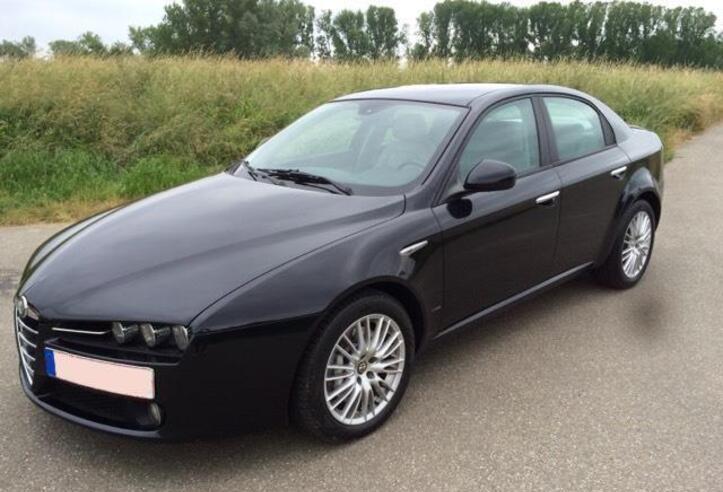 Alfa romeo 159 negro