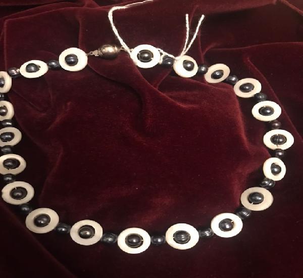Gargantilla de perlas tipo Tahití combinada con nácar
