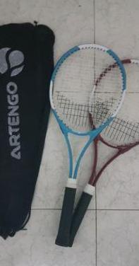 Set de dos Raquetas de tenis Artengo con funda.