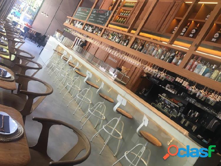 Restaurante en traspaso - recién remodelado