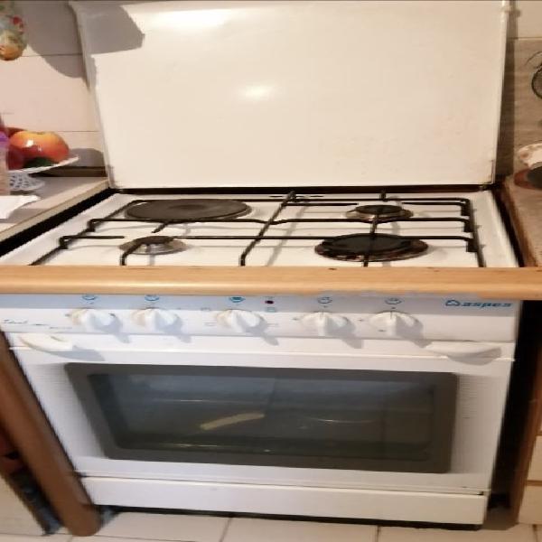 Cocina gas butano con horno