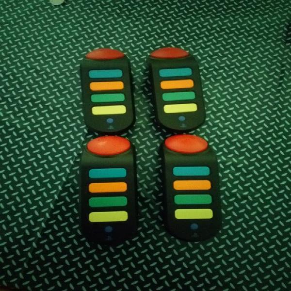 Regalo 4 mandos buzz inalámbricos de ps3