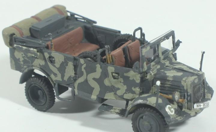 Maqueta vehículo mercedes, montado y pintado, 1/72, caja 6