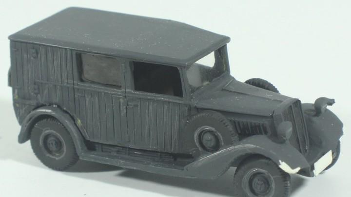 Maqueta vehículo alemán, tipo camioneta, montado y