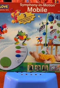 Mobile estimulación bebé cuna