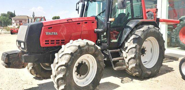 Venta de Tractor Valtra 8450 en Murcia