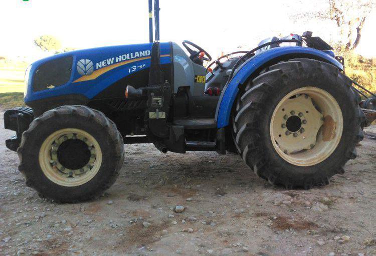 Venta de Tractor viñedo New Holland T3 75F en Cuenca