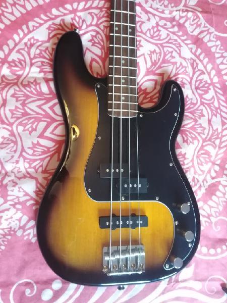 Bajo fender squier precision bass
