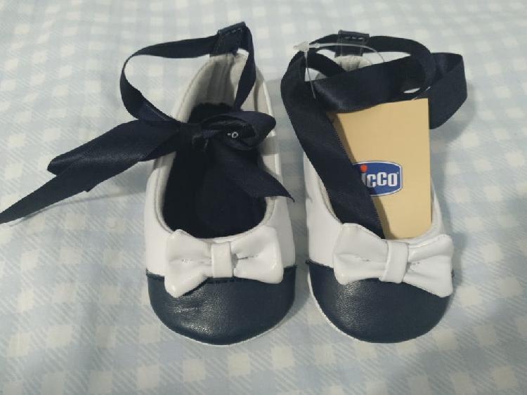Zapatos. sin uso. número 19. de marca chicco
