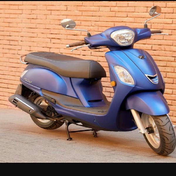 Alquiler de moto y scooter