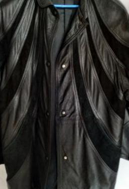 Abrigo combinado piel/ante.
