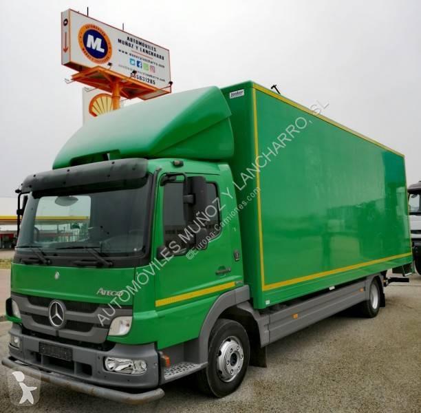 Camión Mercedes furgón Atego 1018 4x2 Diesel Euro 5 rampa