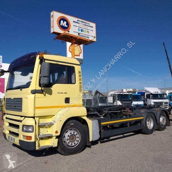 Gancho portacontenedor MAN Hyva 26.480 6x2 Diesel Euro 4