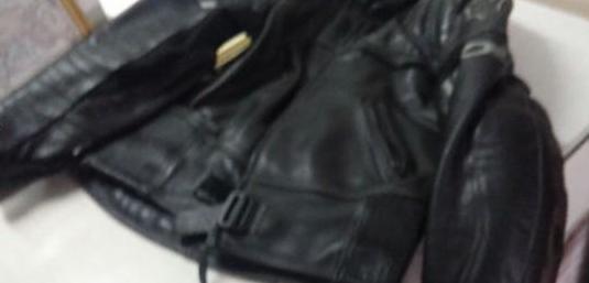 Traje motero de 1ª calidad en cuero negro