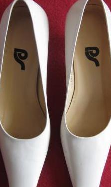 Zapatos de mujer en piel ps nº. 36c(nuevos)