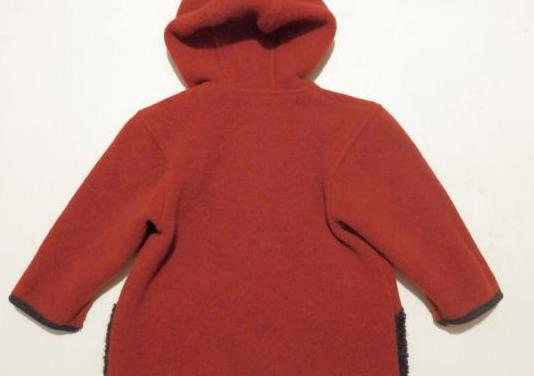 Abrigo de lana marca guiesswein