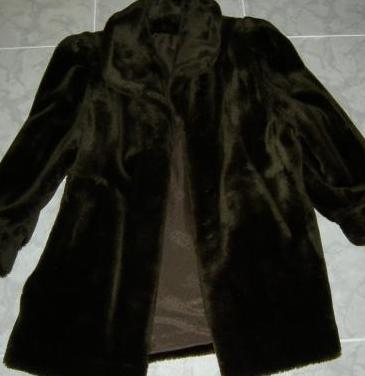 Abrigo de mujer piel sintetica talla 48, hecho en