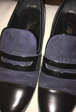 Zapatos ante azul y cuero negro