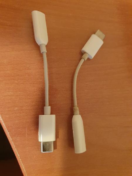 2 adaptadores xiaomi. uno nuevo otro utilizado.