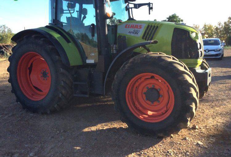 Venta de Tractor Claas ARION 440 en Ciudad Real