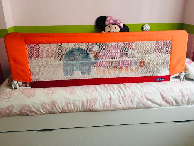 Barrera de cama decorada