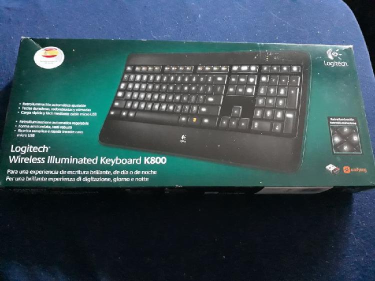 Logitech wireless iluminated keyboard k800