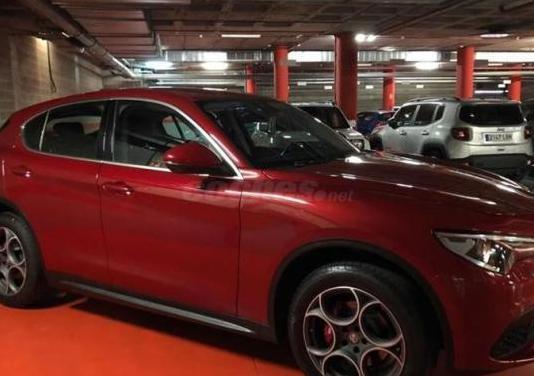 Alfa romeo stelvio 2.0 petrol 206kw 280cv first ed