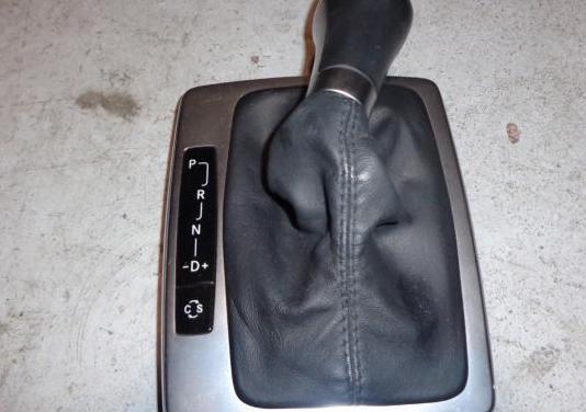 Pomo funda cuero negro mercedes w212
