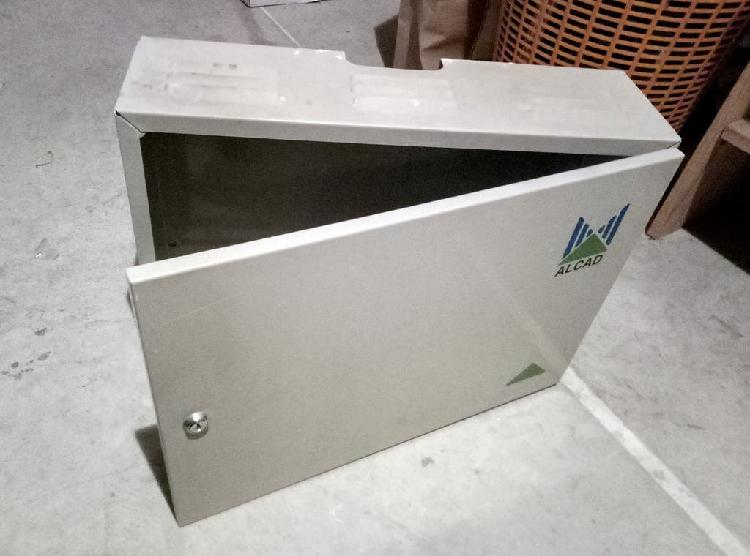 Caja metálica