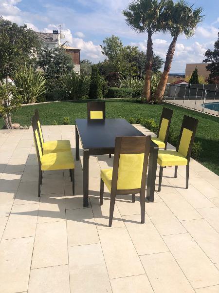 Mesa comedor extensible con seis sillas