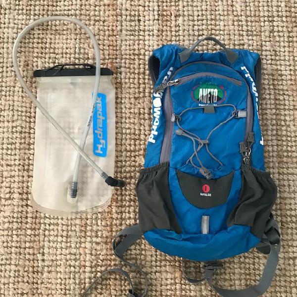 Mochila con bolsa agua trango impulse 1