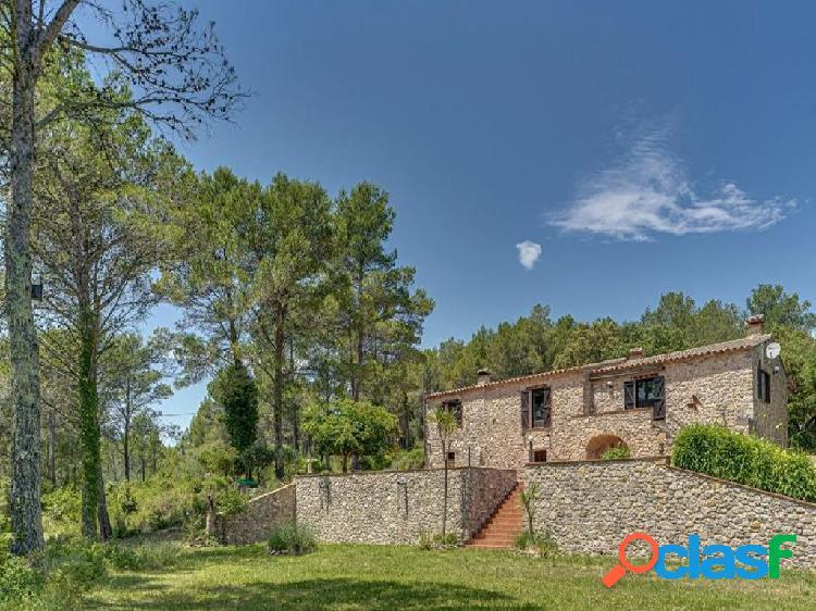 Casa de campo-Masía en Venta en Terrades Girona 2