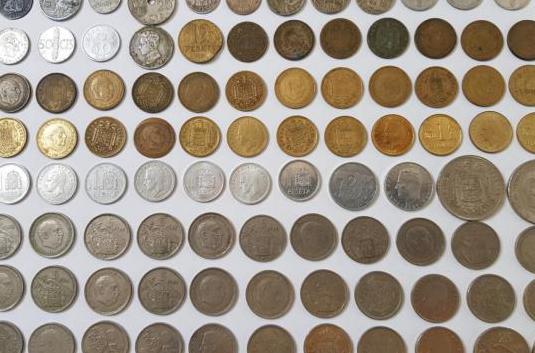 Coleccion de monedas y billetes de pesetas