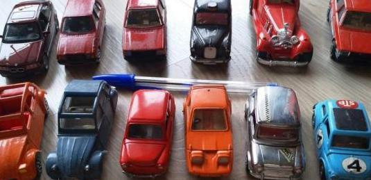 Más coches escala 1:43