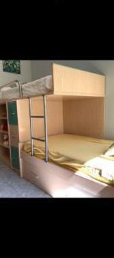 Dormitorio con 3 camas