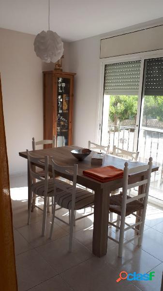 Adosado de 120 m2, con 3 dormitorios, Terraza. Garaje. A 200 M DEL MAR 1