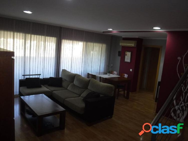 Ático dúplex de 125 m2, con 3 dormitorios, 2 terrazas, piscina, parking, trastero. EXPECTACULAR 2