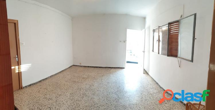 Casa de 117 m2 con 3 dormitorios, esquinera. 1