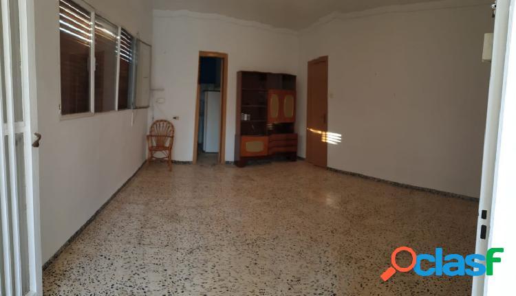 Casa de 117 m2 con 3 dormitorios, esquinera. 2