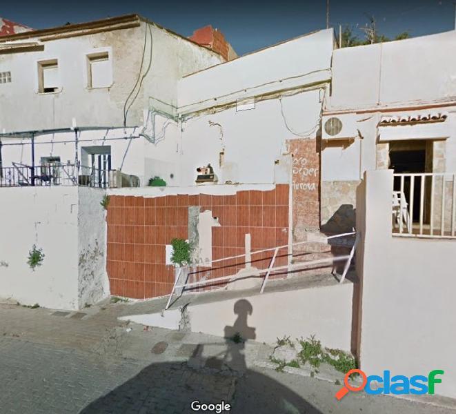 Casa en barrio de santa anna. vistas despejadas a gandia con zonas verdes y jardines, parques.