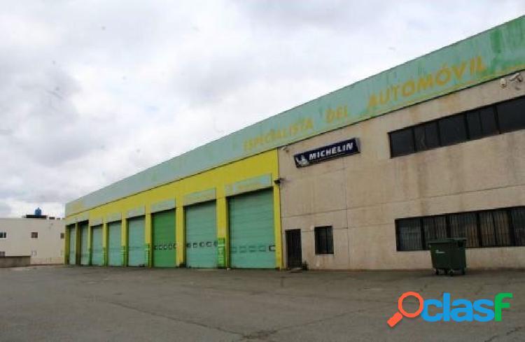 Nave industrial en polígono industrial de daganzo, 3.268 m2 junto a la base aérea de torrejón.