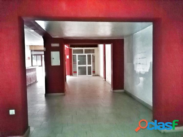 OPORTUNIDAD BANCARIA - LOCAL COMERCIAL DE 84 m2 EN ENSANCHE CENTRO - PUERTO. 1