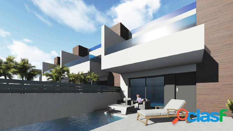 Villas adosadas con jardín y piscina privada en Benijófar, Costa Blanca 1